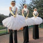 Great-Gatsby-Themed-Stilt-Walkers-1